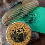 Beard Tamer and Comb 01